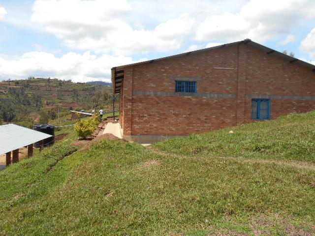 ムガンザ倉庫2